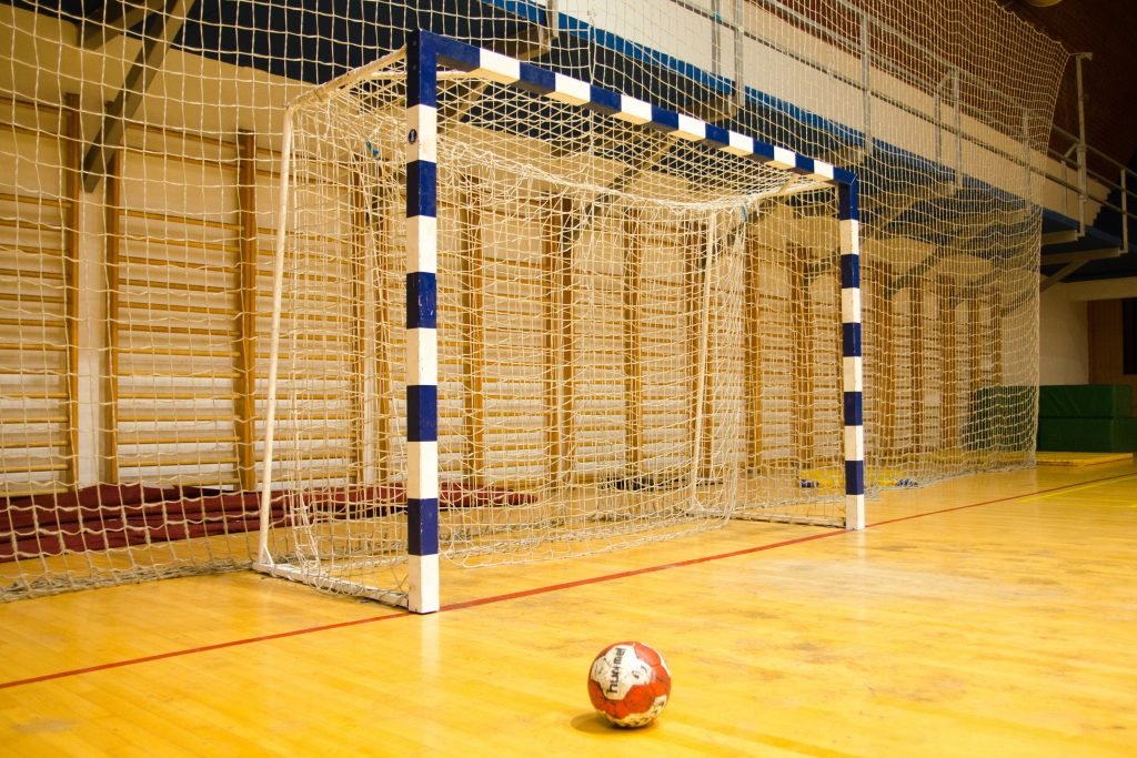 Terrain de foot et hand-ball