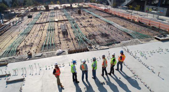 Chantier et travailleurs vue d'en haut